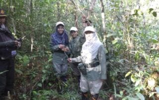 Female Ranger Team Installs Cameras in Cardamoms Female Ranger Team Installs Cameras in Cardamoms Wildlife Alliance Female Ranger 320x202