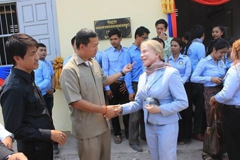 Ms. Suwanna Gauntlett met with H.E. Hun Manet to inaugurate 5 Schools and Health Center Suwanna Gauntlett and Hun Manet Community