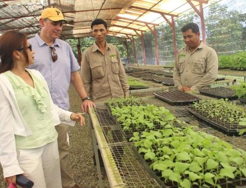 Wildlife Alliance Community Program – William Heidt U.S. Ambassador to Cambodia