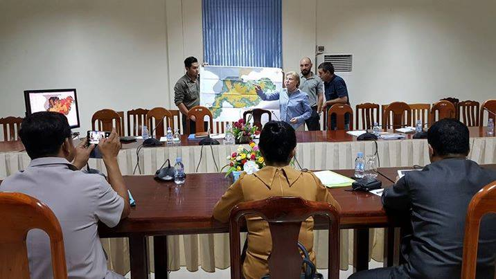 Provincial governor of Koh Kong Provincial governor of Koh Kong Koh Kong Governor Cambodia and Suwanna Gauntlett meeting