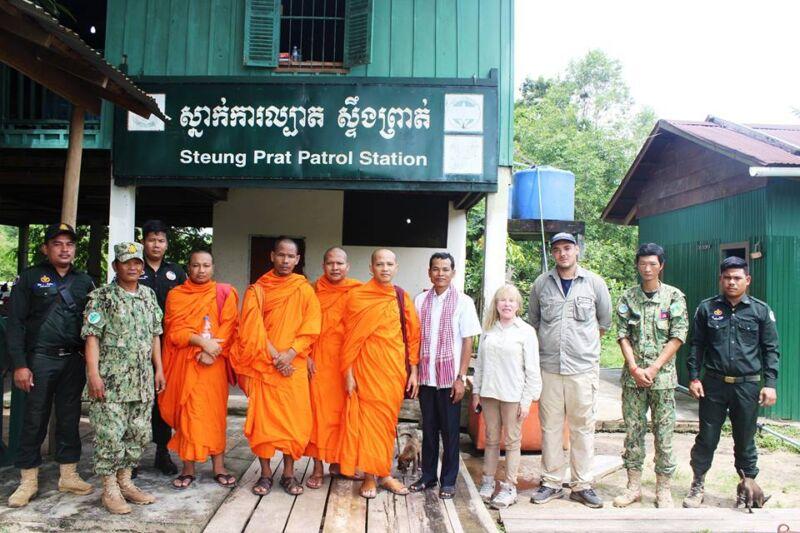 Monk blessing ceremony – Suwanna Gauntlett Monk blessing ceremony Suwanna Gauntless Save the Cardamom 14 800x533