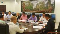 Heads of NGOs meeting with H.E. Sao Sopheap Sao Sopheap and Suwanna 200x113