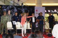 The Capture Project - Aeon Mall Cambodia The Capture Project – Aeon Mall Cambodia The Capture Project Suwanna Gauntlett Cambodia the team 200x133