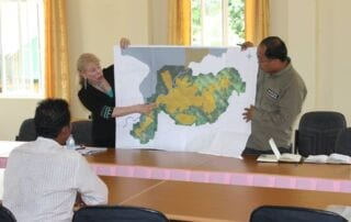 Fourth meeting with Thmar Bang district Thmar Bang district 2 320x202  Suwanna Gauntlett Thmar Bang district 2 320x202