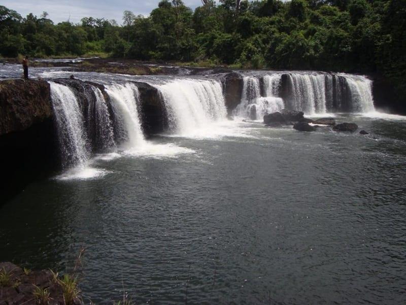 Waterfalls in Chi Phat, Koh Kong province Waterfalls in Chi Phat Koh Kong province 2 800x600