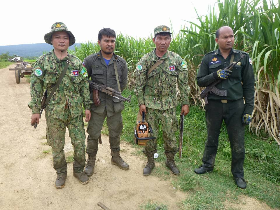 wildlife alliance rangers fighting loggers in cambodia Wildlife Alliance Rangers fighting loggers in Cambodia Wildlife Alliance rangers chainsaw