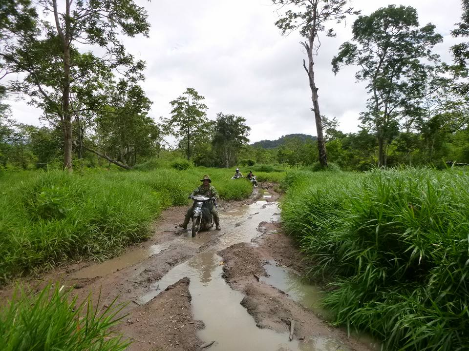 wildlife alliance rangers fighting loggers in cambodia Wildlife Alliance Rangers fighting loggers in Cambodia conservation mud