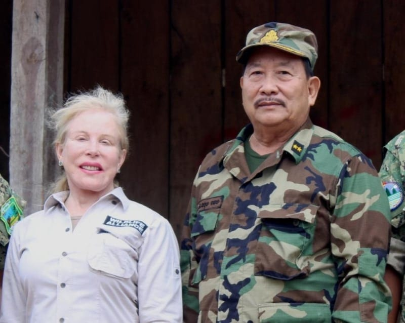 Suwanna Gauntlett meets with General Chhun Chheng Suwanna Gauntlett meets with General Chhun Chheng Suwanna Gauntlett and General Chhun Chheng 800x638