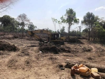 forest destroyed 8 hectares of forest destroyed! One excavator confiscated and 2 people in prison Land grabbing cambodia Escavator 400x300