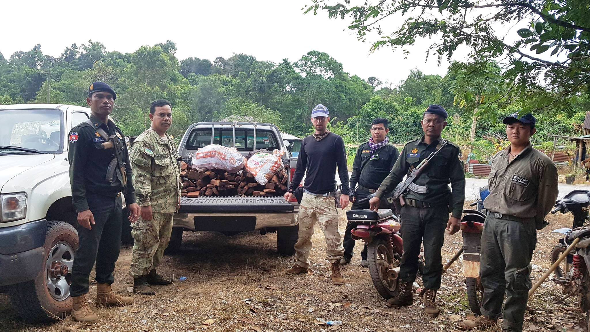 forest guards Hundreds of animal traps, 2 motorbikes confiscated for rose wood transportation illegal timber Cambodia