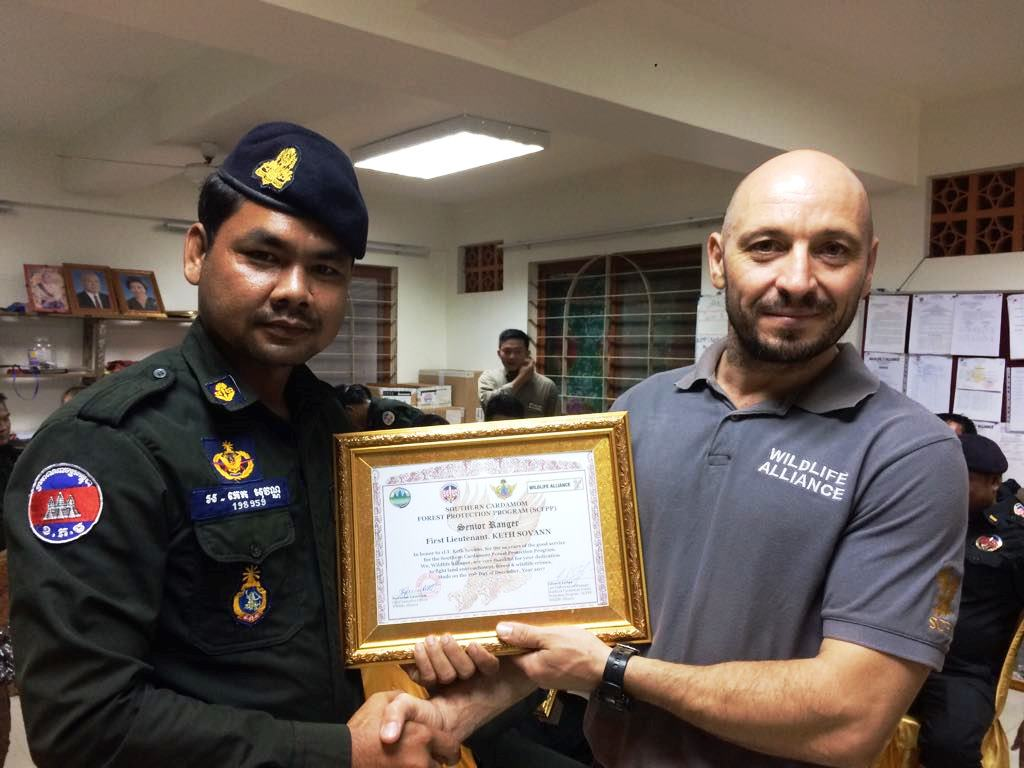 law enforcement SCFPP – Law Enforcement Manager recognized the dedicated senior rangers with tenure of over 13 years senior rangers Cambodia Law Enforcement 10