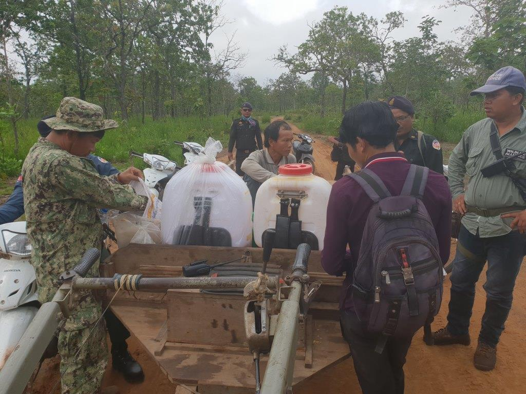 phnom tnout wildlife sanctuary wildlife alliance intervention updates Phnom Tnout Wildlife Sanctuary Wildlife Alliance intervention UPDATES May 13 2018 Phnom Tnout Wildlife Sanctuary illegal chainsaws 1