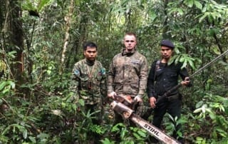 Hunting the poachers Forest Protection Program Wildlife Alliance rangers 320x202