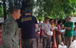 conservation Conservation Turned to Relief Efforts Helping villagers with rice Cambodia 320x202