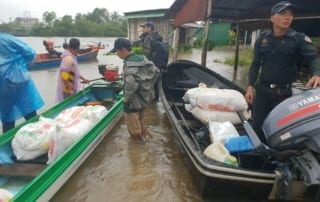 conservation Conservation Turned to Relief Efforts Wildlife Alliance rangers Chi Phat floods 2018 Cambodia 320x202