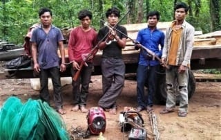 phnom tnout wildlife sanctuary - 5 man sentenced to prison Phnom Tnout Wildlife Sanctuary – 5 men sentenced to prison Phnom Tnout Wildlife Sanctuary illegal loggers poachers hunters Wildlife Alliance 320x202