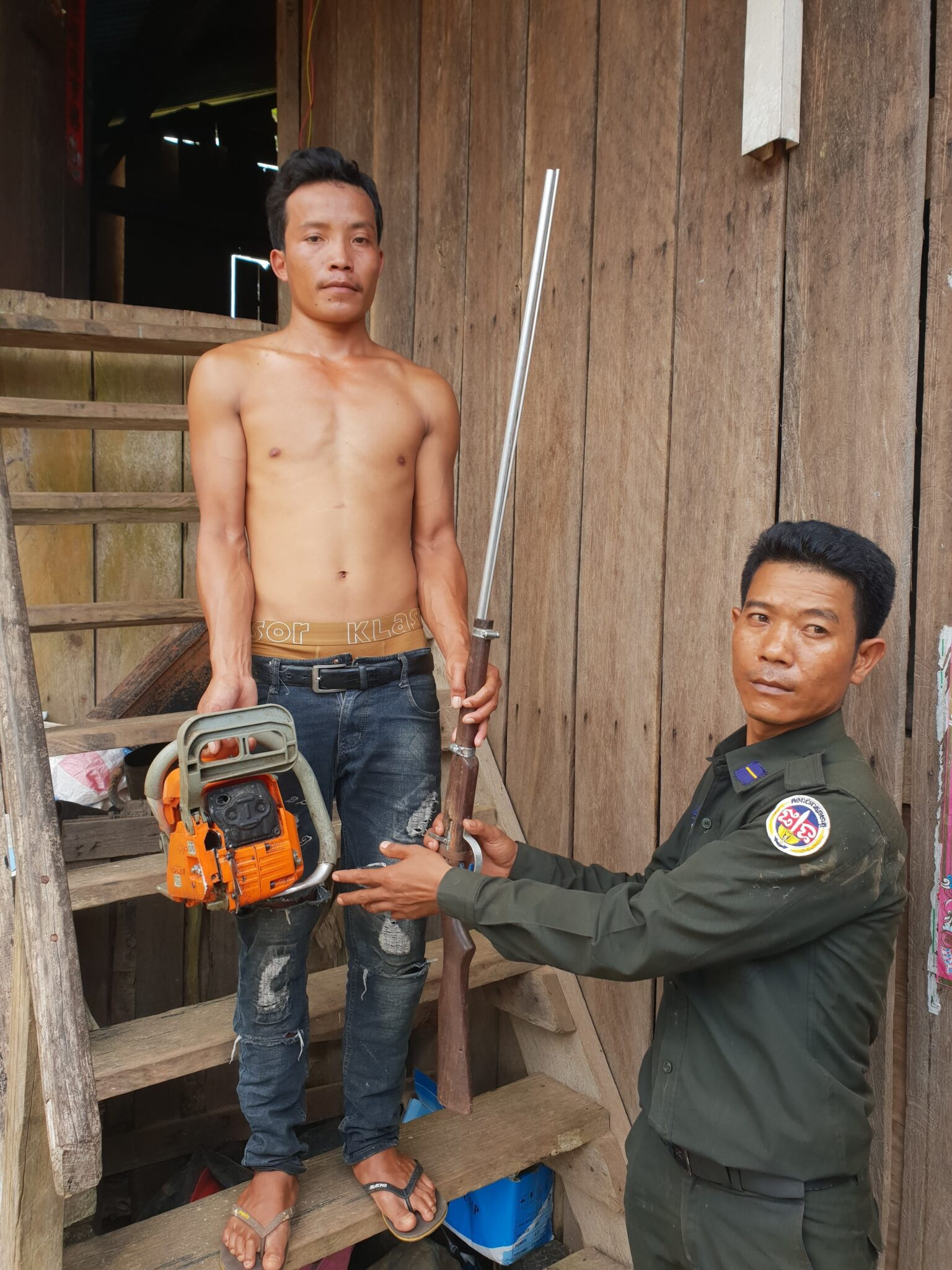 Poaching and logging crackdown inside Cardamom National Park protected area Illegal hunting and logging Koh Kong e1538304042546