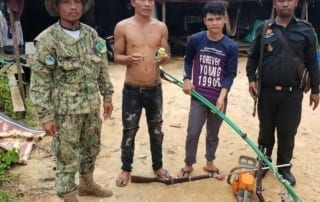 Poaching and logging crackdown inside Cardamom National Park protected area Ministry of Environment officer arrested poacher and logger in Koh Kong 320x202