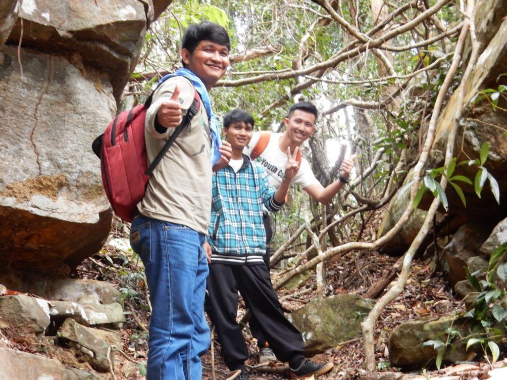 Environment Education activities – November 2018 Protecting Wildlife Youth Camp KE Cambodia Environmental Education
