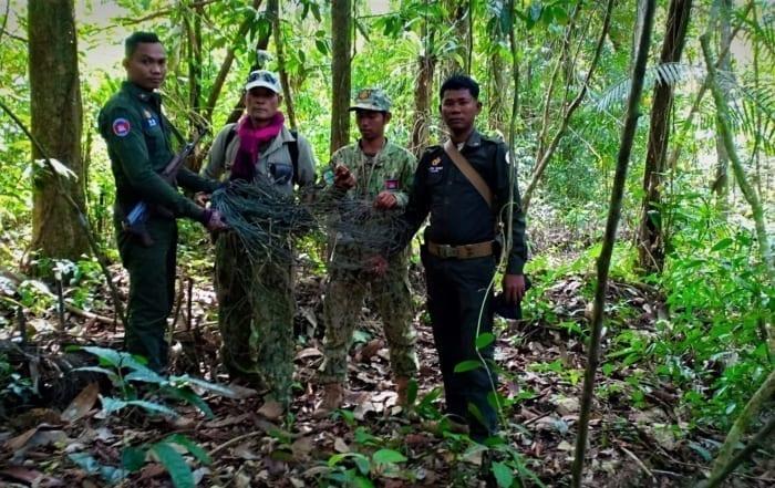 sponsor the siamese crocodile station Sponsor the Siamese Crocodile Station Forest guards remove snares 700x441