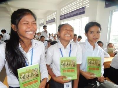 environment education Environment Education Project Activities Kouprey Express wildlife outreach Kampong Chnang 4 400x300