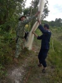 migratory bird hunting in koh kong Migratory Bird Hunting in Koh Kong Wildlife Alliance rangers dismantle bird nets 200x267
