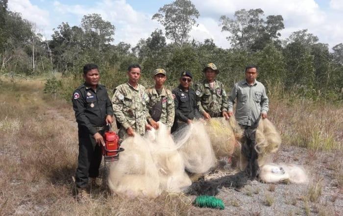sponsor the gibbon station Sponsor the Gibbon Station bird hunting in Cambodia 700x441